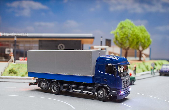 Car System Digital 3.0 LKW Scania R 13 HL (HERPA)